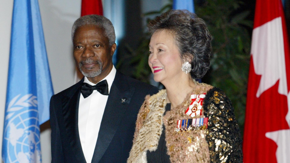 Governor General Adrienne Clarkson (right) and Kofi Annan, Secretary-General of the United Nations arrive at the National Museum in Gatineau, Que. Monday March 8, 2004. (CP PHOTO/Jonathan Hayward)