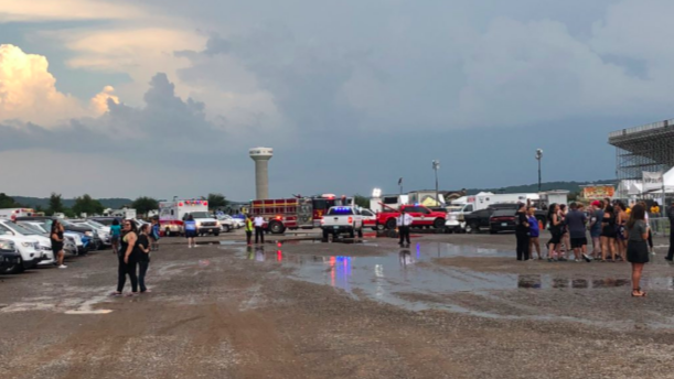 A windstorm in Oklahoma injured 14 people at a Backstreet Boys concert. (Austin Gress/Twitter)