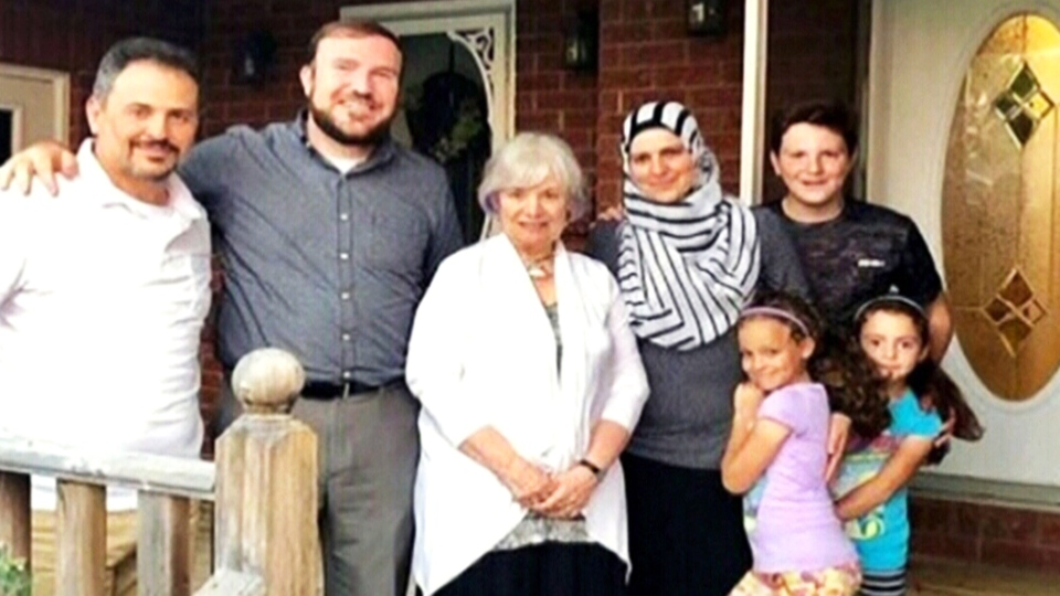 This Ontario mayor lent his home to Syrian refugees for five months.