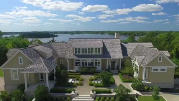Justin Bieber reportedly buys mansion in Puslinch Lake area
