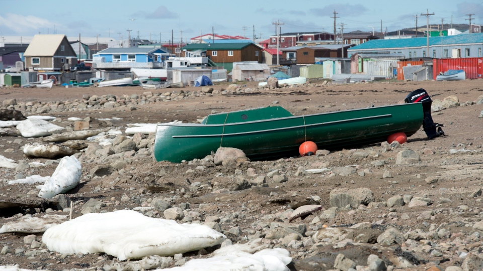 Iqaluit-boat-water-shortage