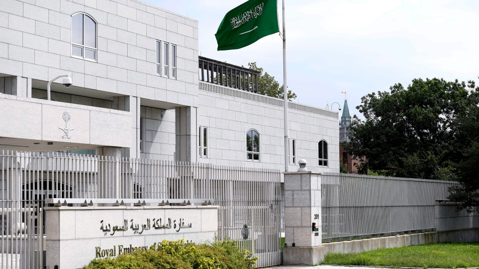 Saudi Arabia to let 1,000 medical graduates finish training