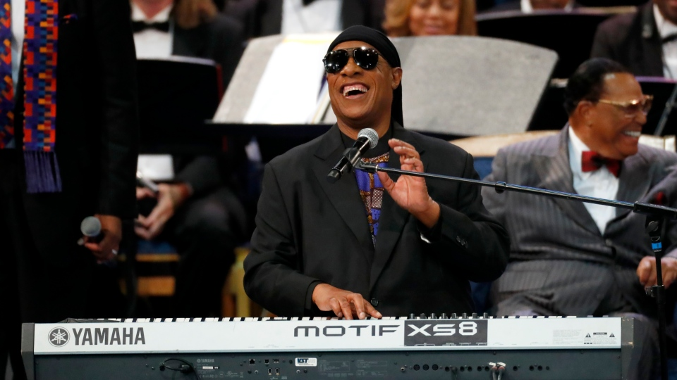 Stevie Wonder closes Aretha Franklin funeral with 'As