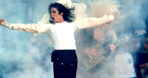 Michael Jackson performs during the halftime show at the Super Bowl XXVII in Pasadena, Calif in 1993. (AP / Rusty Kennedy)