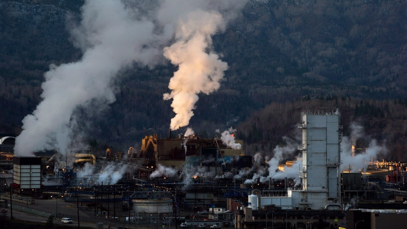 Teck Mining Company's zinc and lead smelting and refining complex is pictured in Trail, B.C., on November 26, 2012. (Darryl Dyck/ The Canadian Press)