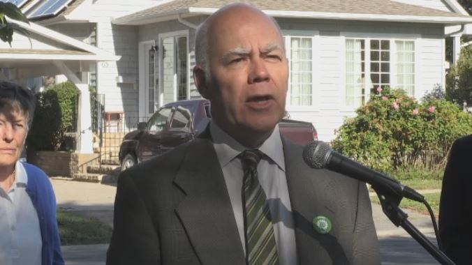 New Brunswick Green Leader David Coon makes a campaign stop in Fredericton on Sept. 10, 2018.