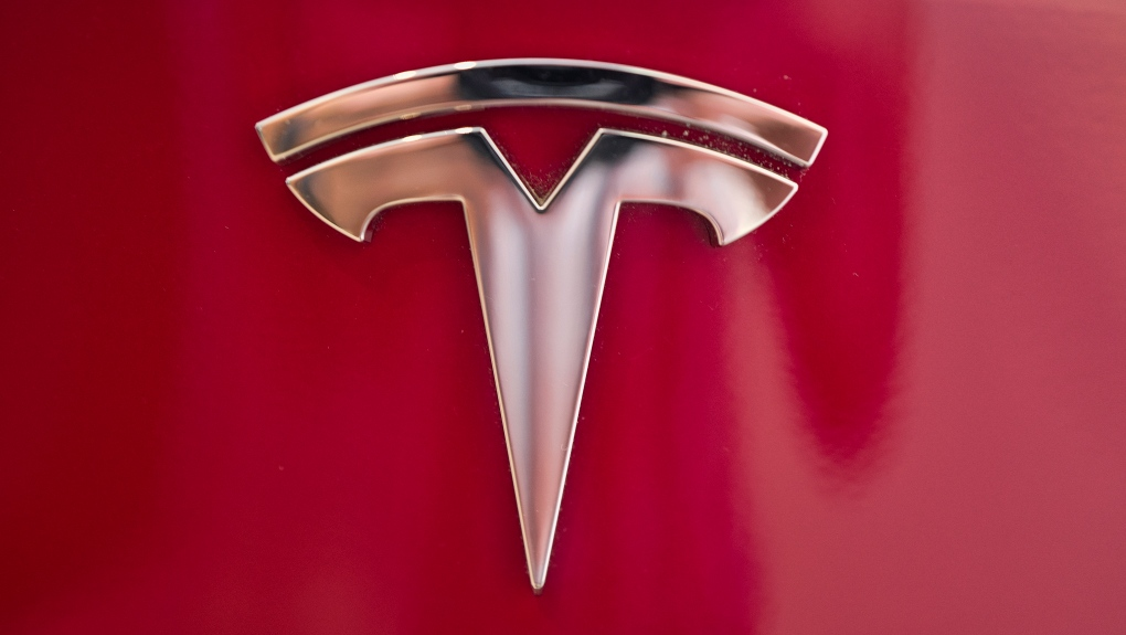 Tesla driver who hit 2 cars says he used autopilot