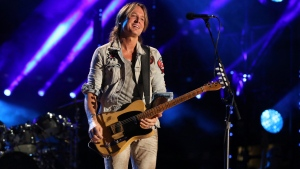 Keith Urban will headline Sunday's bill at Country Thunder Alberta 2020(file)