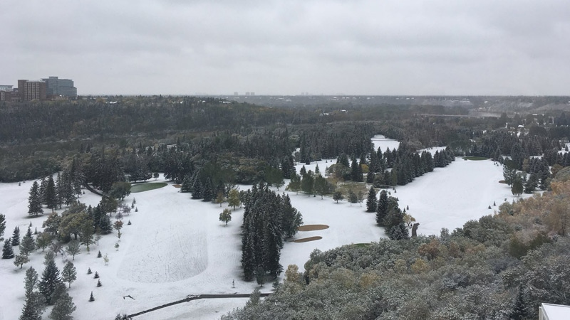 A blanket of snow could be seen in Edmonton's river valley Thursday, Sept. 13, 2018. (Twitter/@kilograeme)