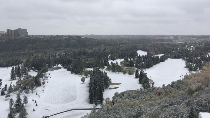 A blanket of snow could be seen in Edmonton's river valley Thursday, Sept. 13, 2018. (Twitter/@kilograeme)
