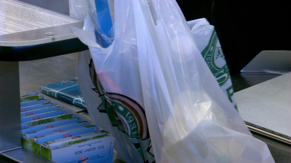 Municipal leaders calling for plastic bag ban