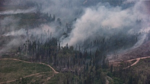 The Shovel Lake wildfire burns near the Nadleh Whut'en First Nation in Fort Fraser, B.C., on August 23, 2018. (Darryl Dyck / THE CANADIAN PRESS)