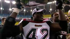 Mike Labinjo, a former defensive linesman with the Calgary Stampeders, has died. He was 38. (TSN)