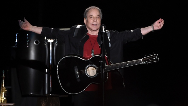 paul simon ends farewell tour with hometown show entertainment showbiz from ctv news. Black Bedroom Furniture Sets. Home Design Ideas