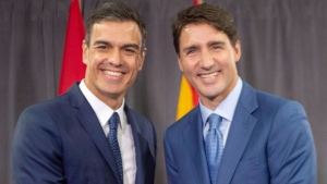 Prime Minister Justin Trudeau, right, shakes hands with Prime Minister of Spain Pedro Sanchez at the start of their bilateral meeting Sunday, September 23, 2018 in Montreal.THE CANADIAN PRESS/Ryan Remiorz