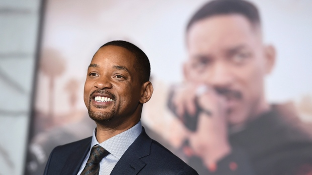 Will Smith bungee jumps out of helicopter over Grand Canyon