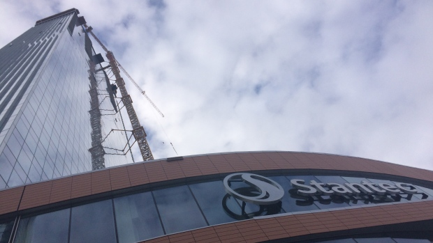 """A look at the <a href=""""https://edmonton.ctvnews.ca/stantec-tower-opens-downtown-1.4110968"""" target=""""_blank"""">Stantec Tower</a> in Edmonton&#39;s Ice District from ground level on Sept. 27, 2018."""