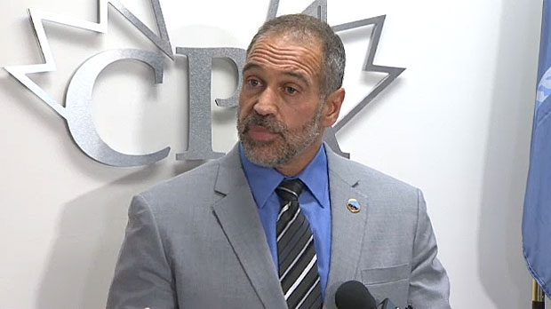 Les Kaminski, the head of the Calgary Police Association, is calling for the resignation of Brian Thiessen, the head of the Calgary Police Commission.