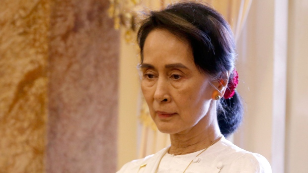 Aung San Suu Kyi (sumber foto: https://www.ctvnews.ca/politics/aung-san-suu-kyi-no-longer-an-honorary-canadian-citizen-1.4118459)