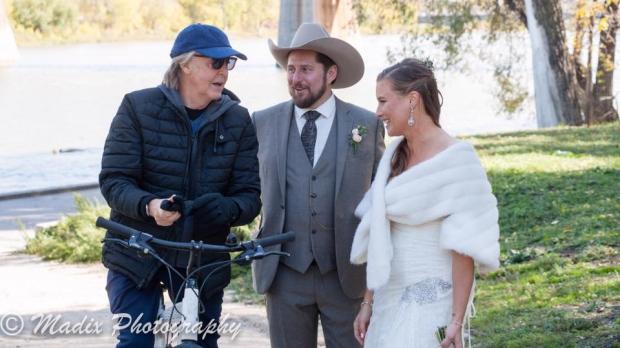 Paul McCartney crashes wedding