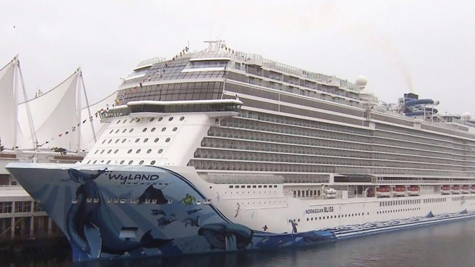 Mammoth cruise ship arrives in Vancouver