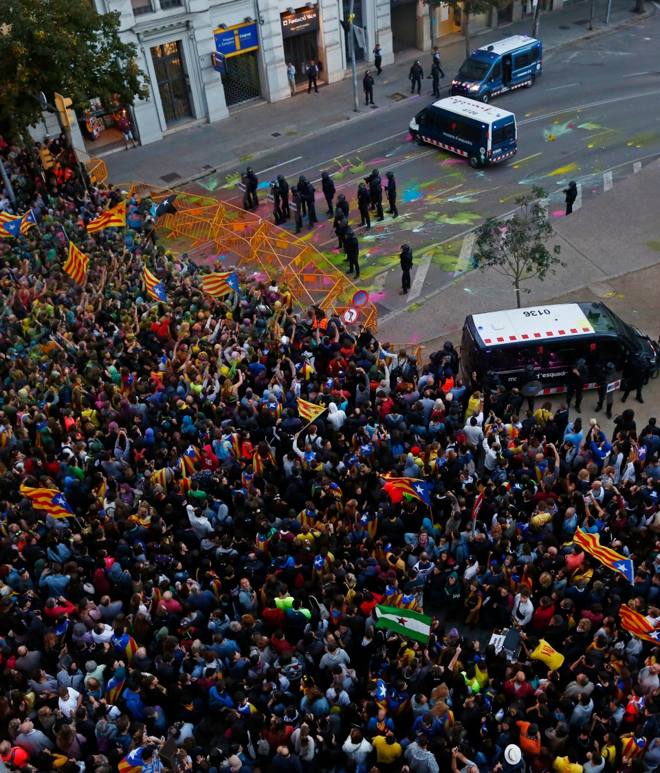 Catalans display devotion to independence on referendum ...