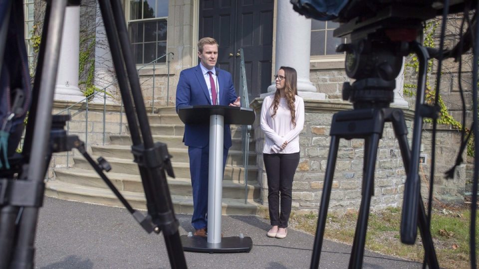 N.B. Liberal Leader Brian Gallant and wife Karine Lavoie in Fredericton on Sept. 25, 2018. (James West / THE CANADIAN PRESS)