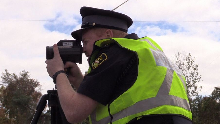 OPP conduct radar on Highway 400, Barrie, Ont. on Thursday, October 4, 2018. (CTV News/Mike Arsalides)