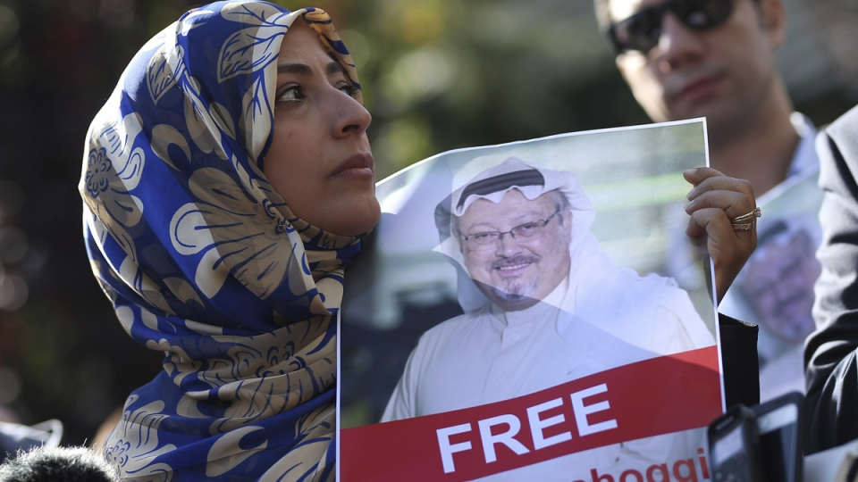 Tawakkol Karman, the Nobel Peace Prize laureate for 2011 holds a picture of missing Saudi writer Jamal Khashoggi near the Saudi Arabia consulate, in Istanbul, Turkey, on  Oct. 5, 2018. (Emrah Gurel / AP)