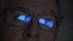 Can blue light from electronic screens damage your eyes?