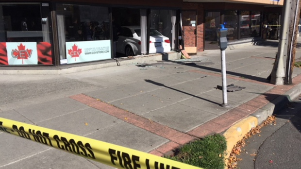 Car smashes through front window of Victoria vape shop | CTV News