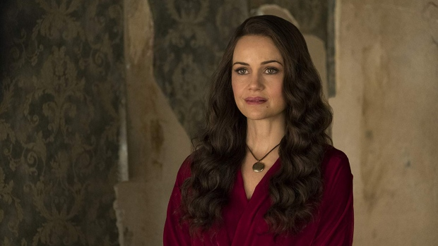 """Carla Gugino stars in the series """"The Haunting of Hill House."""" (Netflix)"""