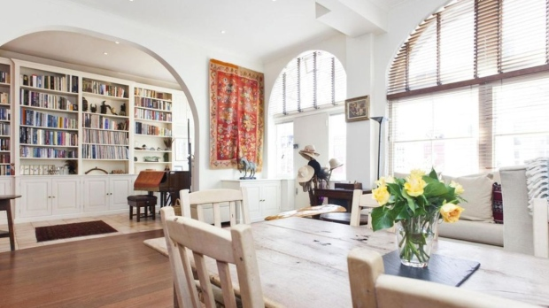 HomeAway has listed the former London home of Madonna and ex-husband Guy Ritchie.