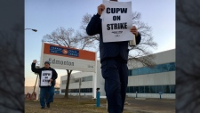 Canada Post picket line