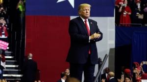Trump continues to criticize migrant caravan