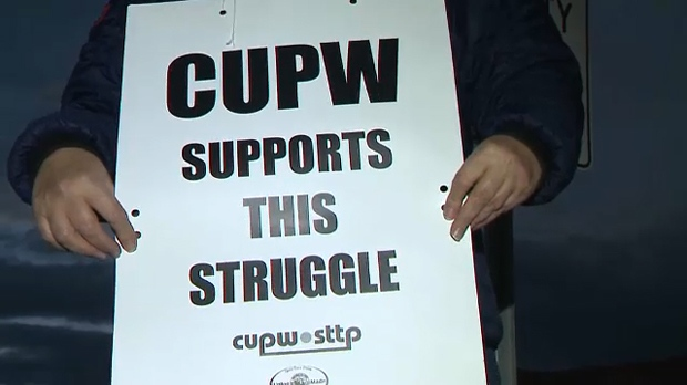 Canada Post workers' rotating strike hits Calgary, Red Deer