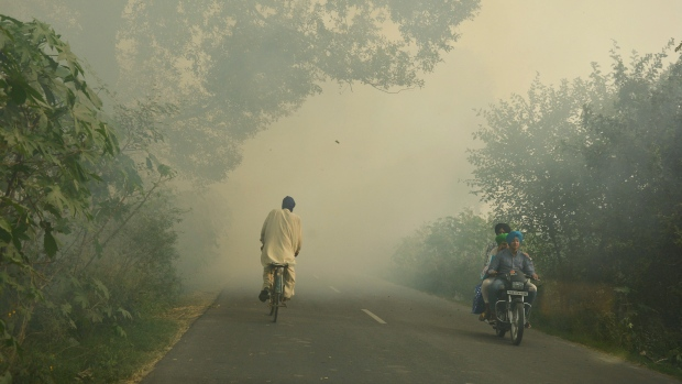 Indian authorities brace for worst air pollution season