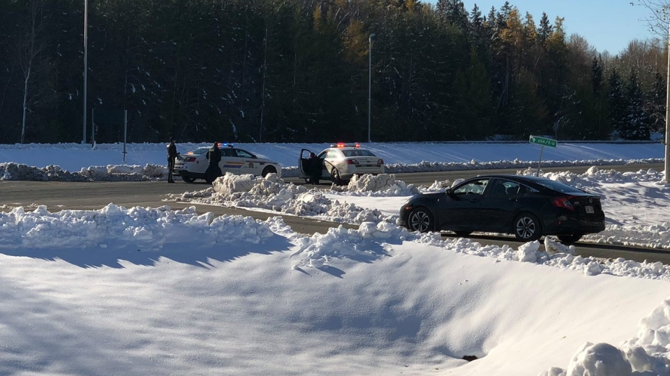 The border was closed at the Woodstock-Houlton crossing as the RCMP respond to a suspicious vehicle. (John Slipp/Facebook)