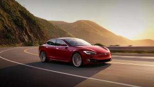 Tesla introduces Navigate on Autopilot © Tesla