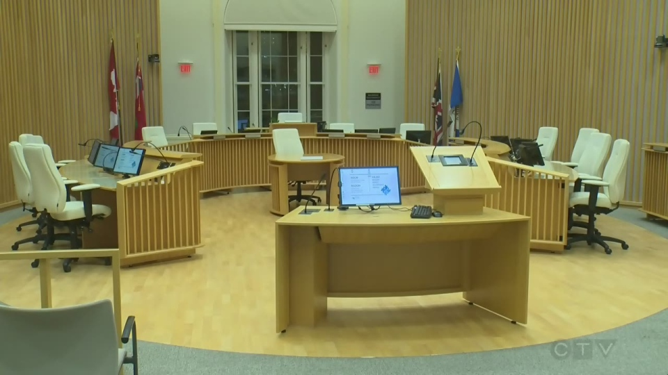 Cambridge councillors voted to raise salaries at a meeting Tuesday night.