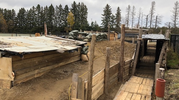 A group of high school students in Kempville built authentic trenches from the First World War.
