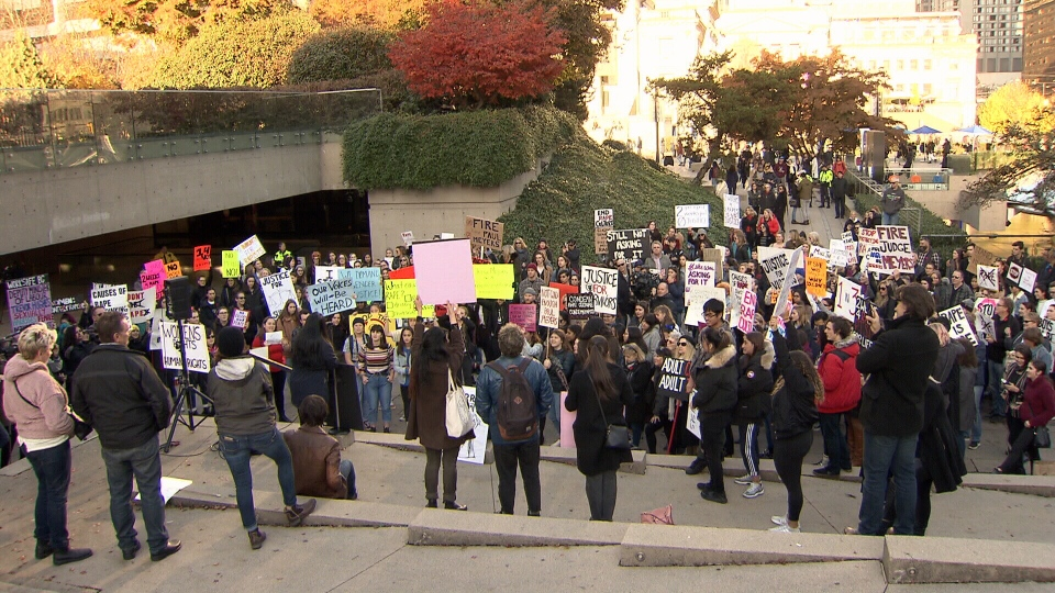 More than 200 protesters are calling on the provincial court judge to be fired.