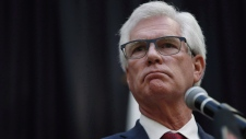 Jim Carr, Minister of International Trade Diversification, announces the federal government's action plan to tackle climate change during a press conference in Winnipeg on Tuesday, October 23, 2018. Canada still hopes to secure a comprehensive trade deal with China despite suggestions last week it could instead aim for sector-by-sector trade agreements. THE CANADIAN PRESS/John Woods