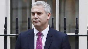Stephen Barclay outside 11 Downing Street in London, on Nov. 22, 2017. (Kirsty Wigglesworth / AP)