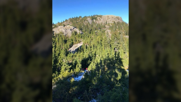 Search and rescue called out for pair of lost hikers