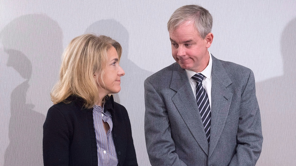 Dennis Oland and his wife Lisa attend a news briefing by their legal team in Saint John, N.B., on Tuesday, Nov. 20, 2018.  (THE CANADIAN PRESS/Andrew Vaughan)