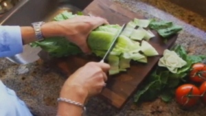 Romaine lettuce linked to E. coli outbreak
