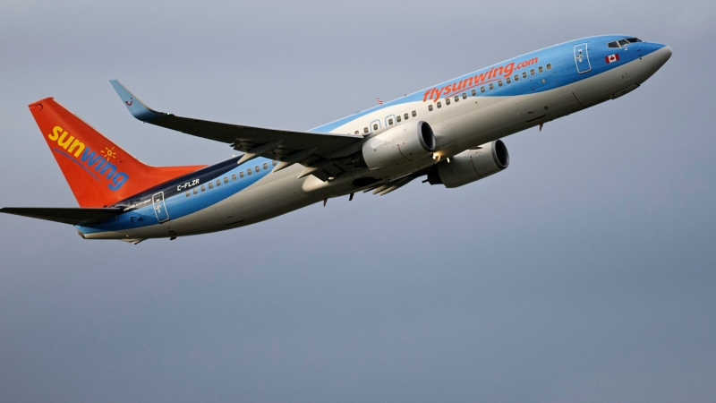 A Sunwing Airlines Boeing 737 (737-800) takes off from Vancouver International Airport, Richmond, B.C., April 4, 2014. THE CANADIAN PRESS IMAGES/Bayne Stanley