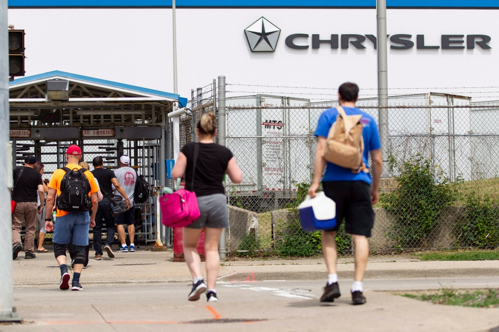 Fiat Chrysler to cut Windsor auto assembly shift in fall at loss of 1,500 jobs