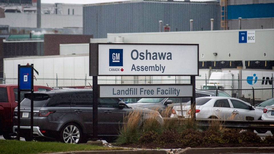 The Oshawa's General Motors car assembly plant in Oshawa, Ont., Monday Nov 26 , 2018. (THE CANADIAN PRESS / Eduardo Lima)